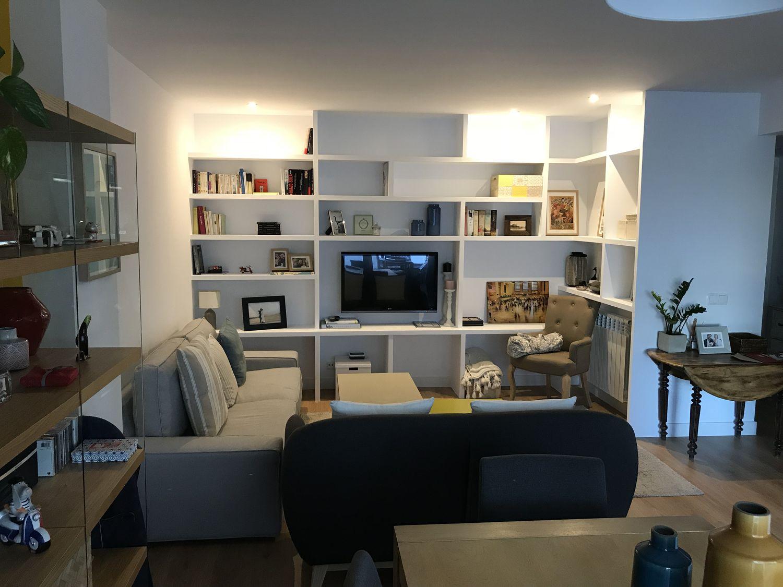 Reforma Cocina Dica modelo Gola 45º Blanco Polar con iluminación led bajo mueble co and co espacios Mirasierra de Madrid
