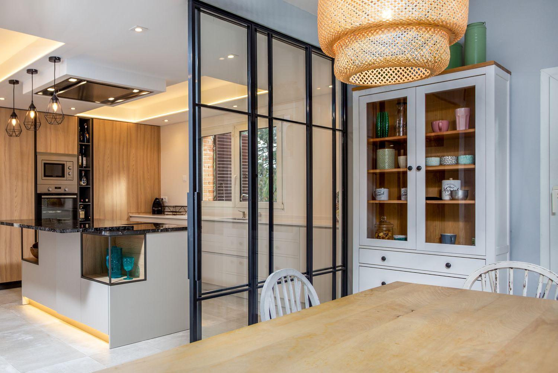 Reforma Cocina Dica modelo Milano Olmo Natur y Gris Nube con iluminación led bajo mueble co and co espacios Hoyarrasa La Moraleja de Madrid