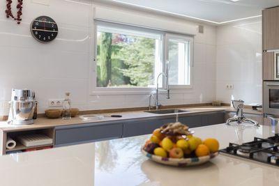 Reforma de una cocina con muebles Dica en urbanizacion ciudalcampo de Madrid